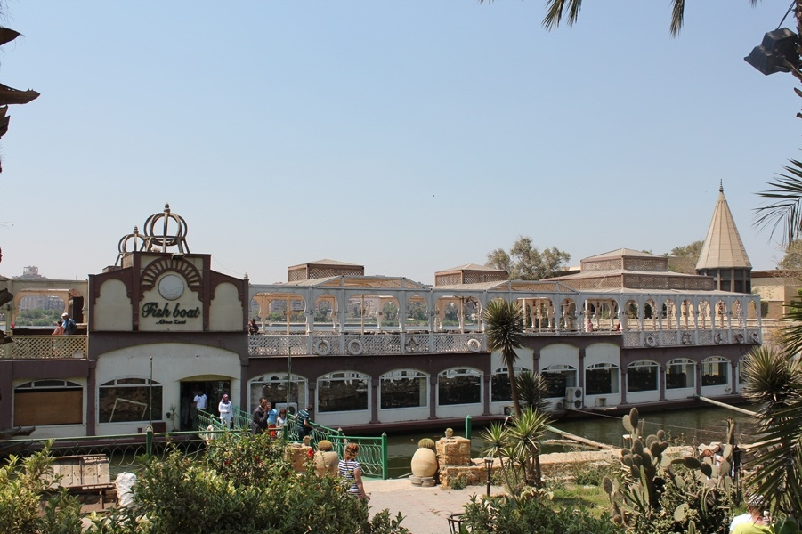 Корабль-ресторан на реке Нил 2