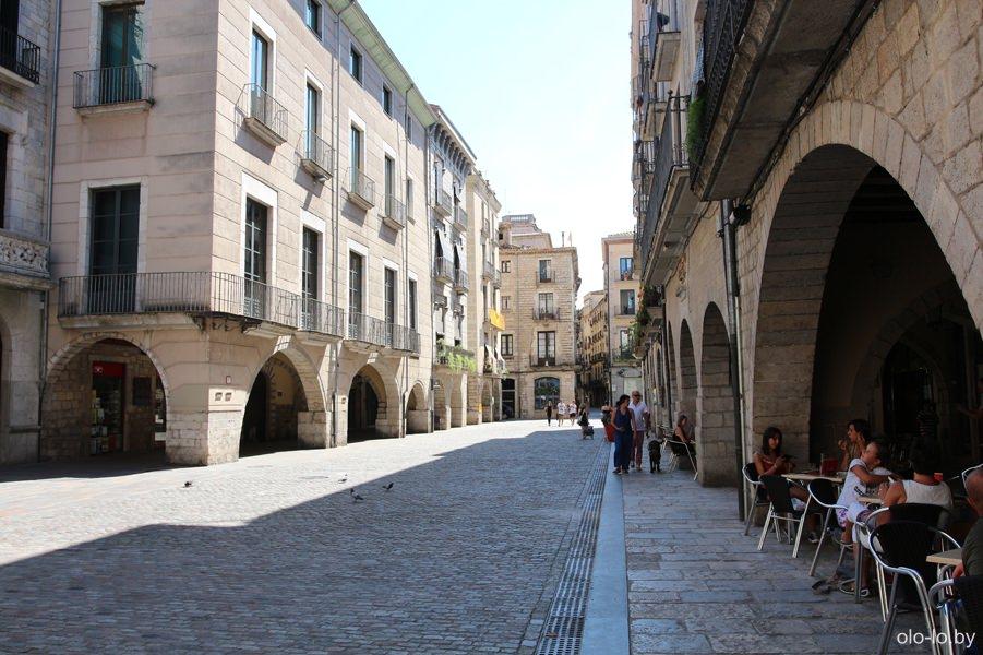 улочка в еврейском квартале в Жироне