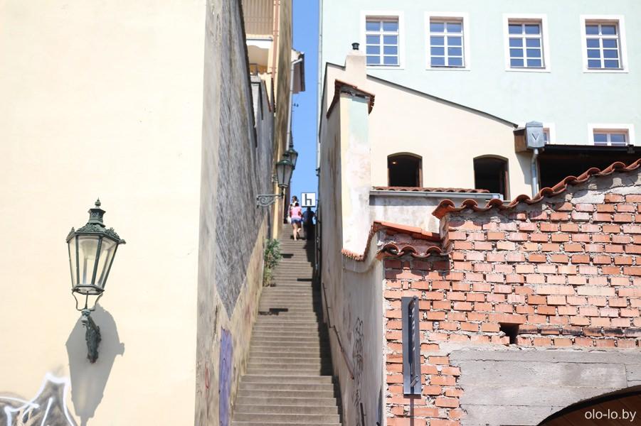 Лестница в Праге