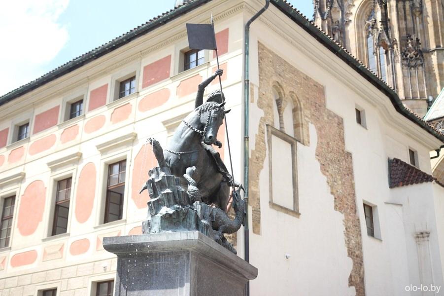 Статуя Святого Георгия, Пражский град