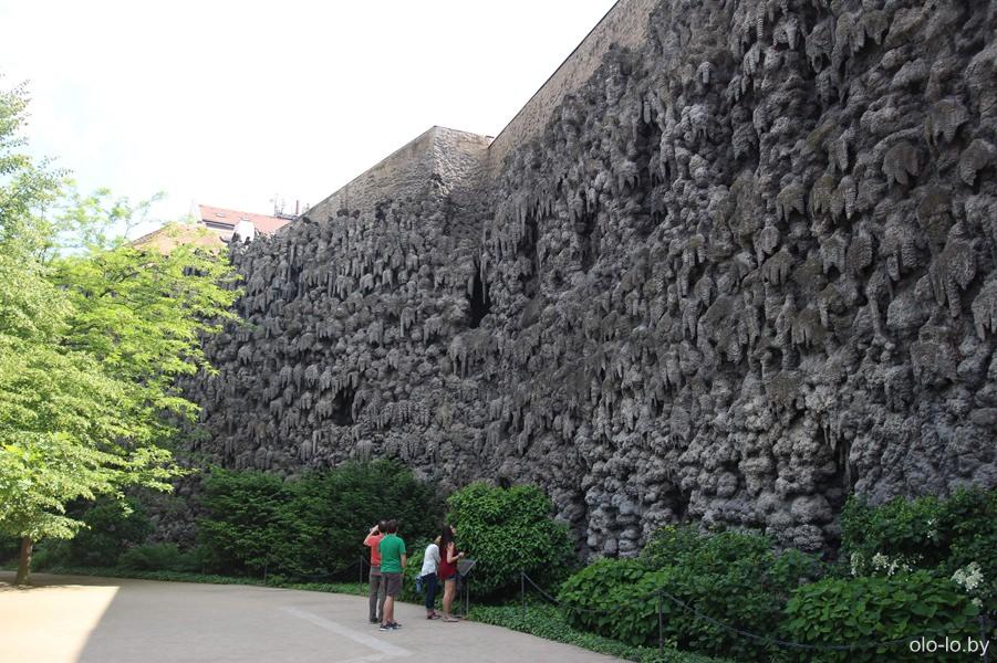 Искусственный грот, Валдштейнские сады
