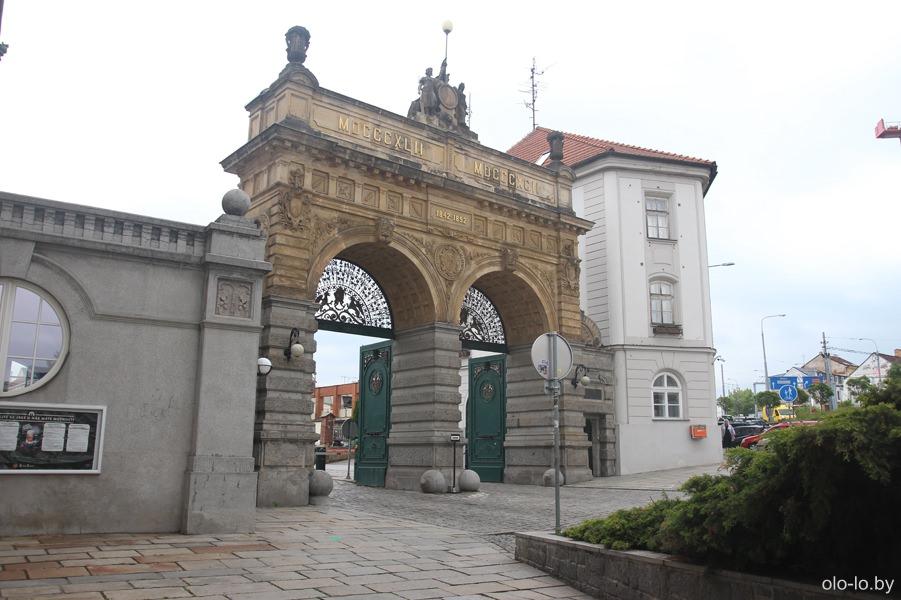 Главные ворота, Пльзеньский Праздрой