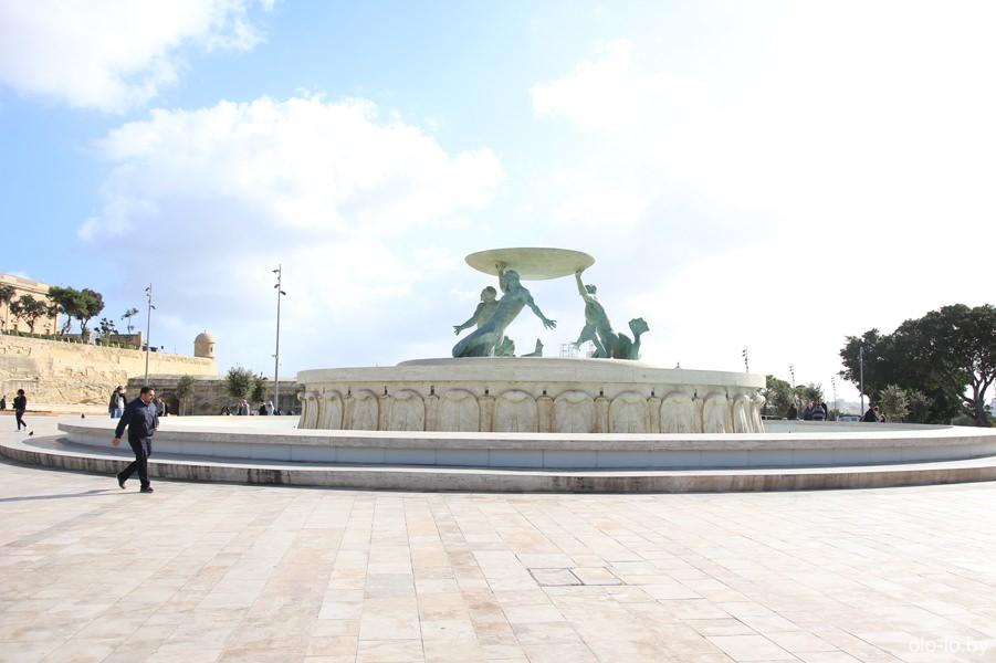 фонтан Тритон, Флориана
