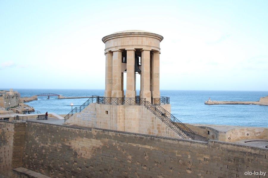 колокольня в честь погибших во II Мировой войне, Валлетта