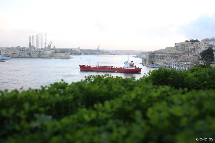 танкер в порту, Валлетта