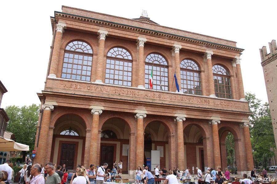 театр Галли, Римини