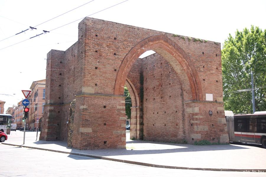 ворота Маджоре, Болонья