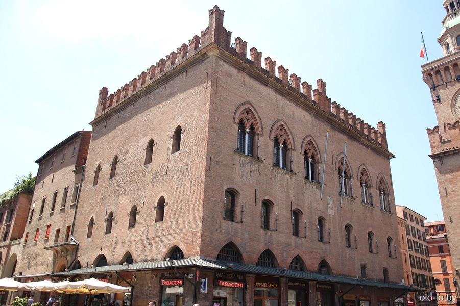 дворец Нотариусов, Болонья