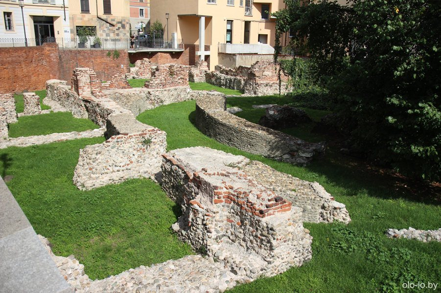 руины дворца императора, Милан