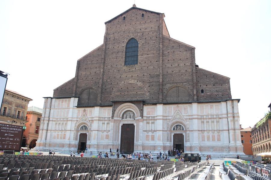 базилика Святого Петрония, Болонья