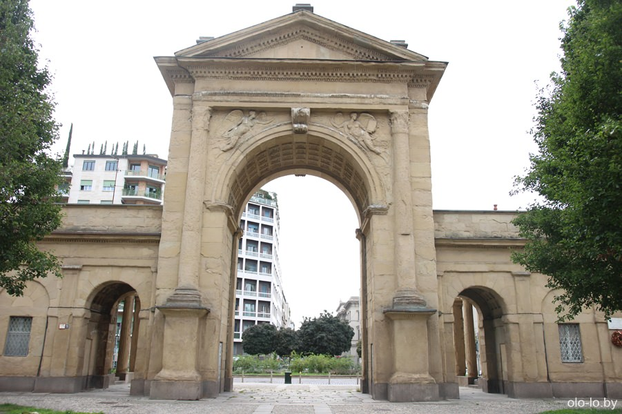 городские ворота, Милан