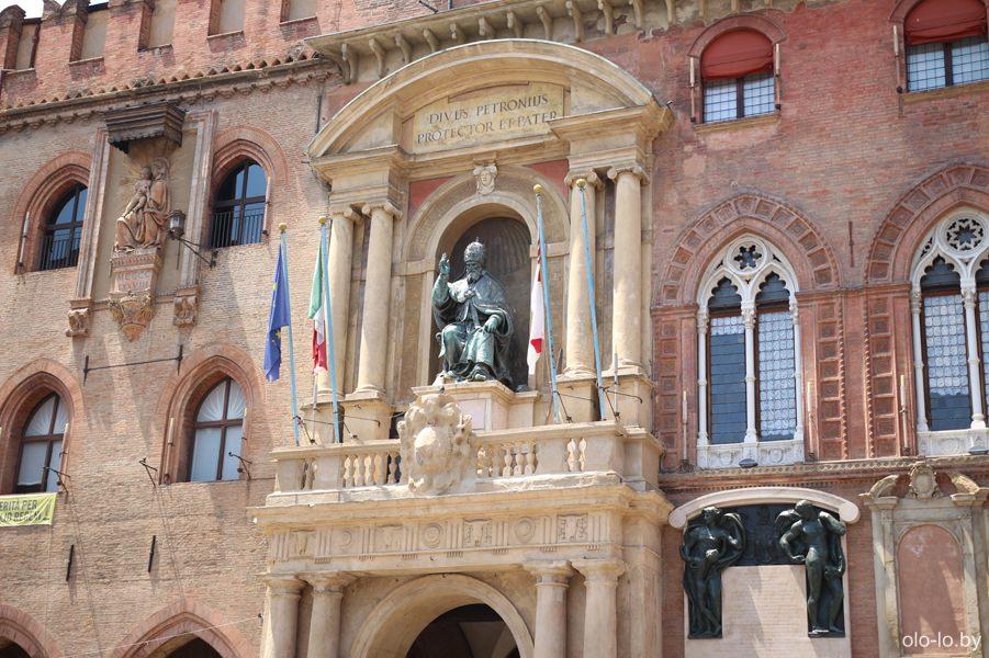 дворец Д'Аккурсио, Болонья
