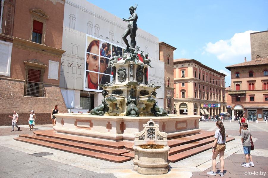 фонтан Нептуна, Болонья