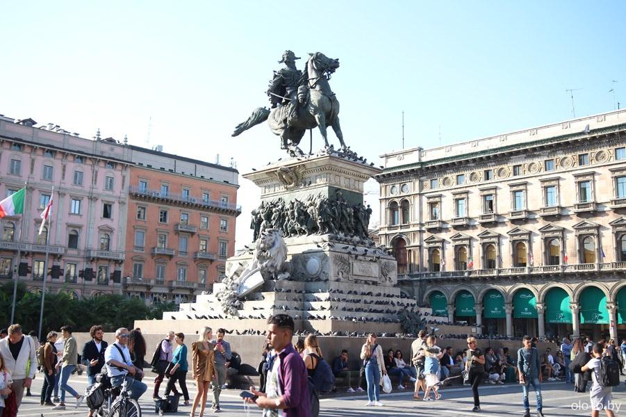 памятник Виктору Эммануилу II, Милан