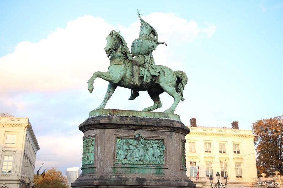 памятник Готфриду Булонскому, Брюссель
