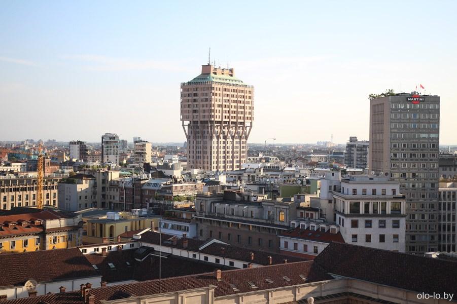 башня Веласка, Милан