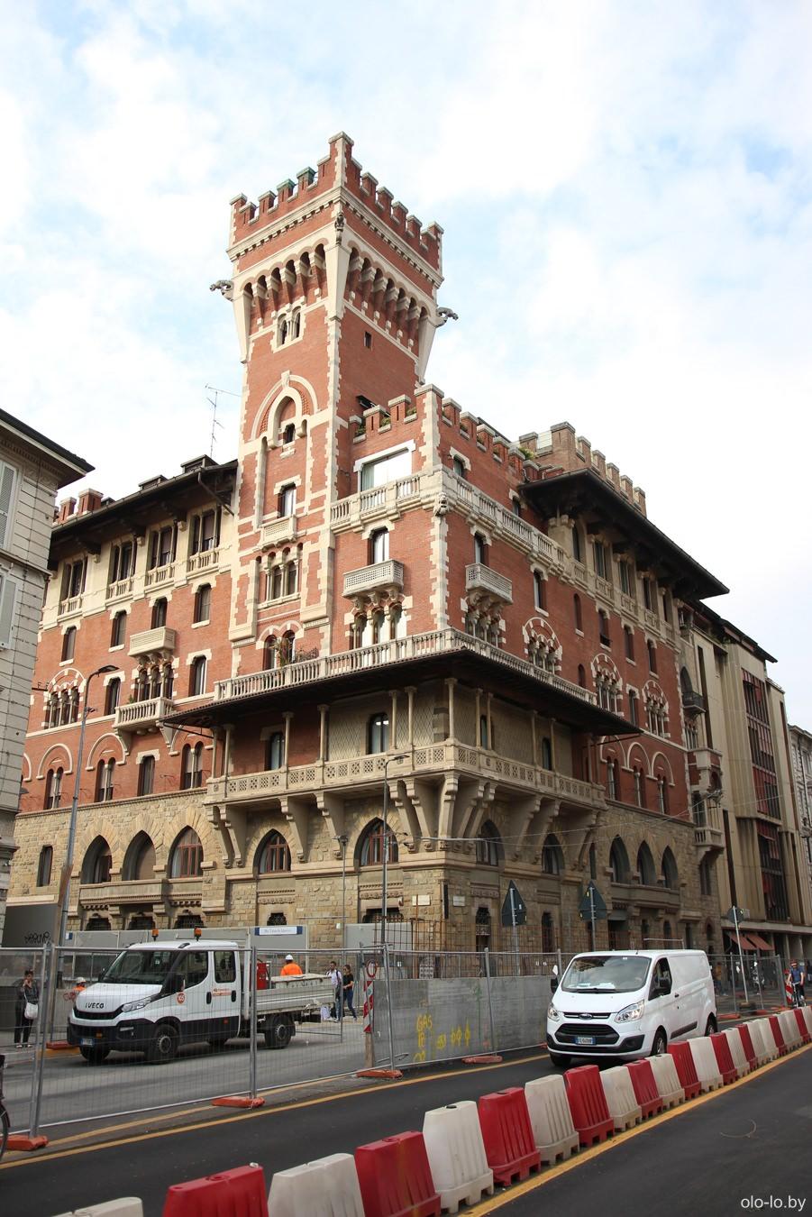 замок Кова, Милан